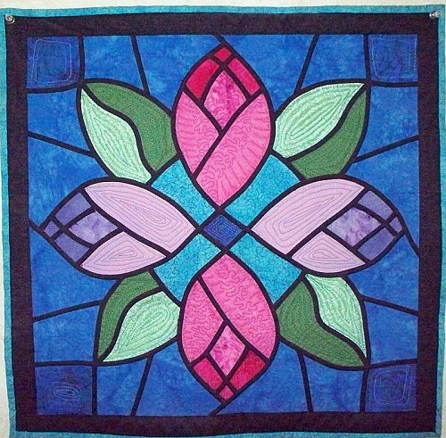 1000+ images about stained glass on Pinterest Stained glass, Stained glass quilt and Stained ...