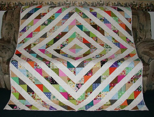 Scrappy Triangle Quilts - Quilting Gallery /Quilting Gallery : half square triangle quilt layouts - Adamdwight.com