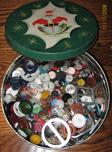 Button Tin