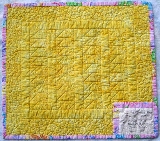 summertime-mini-quilt-back