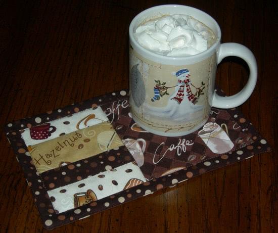 http://quiltinggallery.com/wp-content/uploads/2011/01/sandi-mug-rug-3.jpg