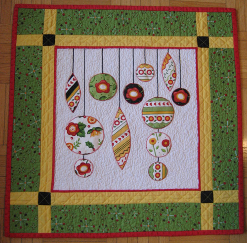 Quilting Christmas Ornaments Patterns : Christmas Ornaments Mini Quilt Aiming for Accuracy Pattern Co.