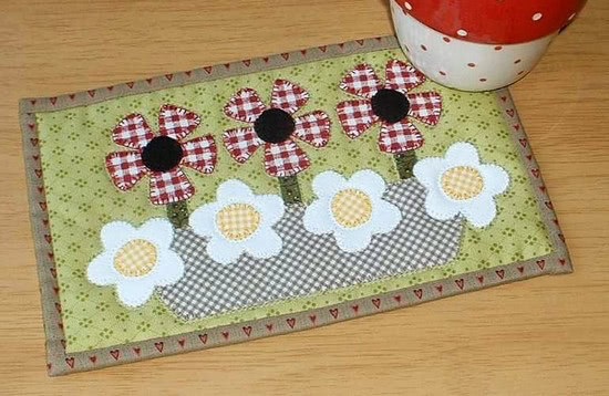 Summer Basket Mug Rug