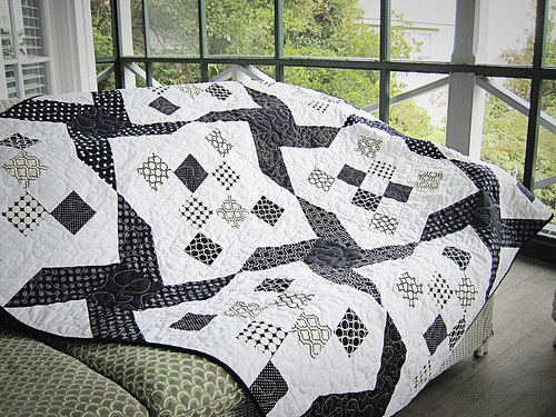 Janes black and white quilt